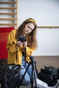 Katariina Räikkönen sai videolaitteiston bloggausta varten.
